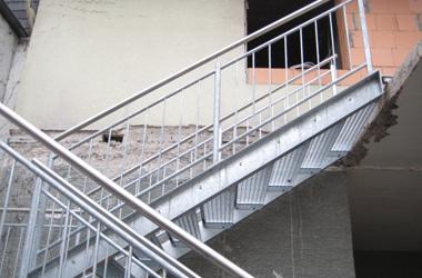 Stahltreppe<br> gegenläufig