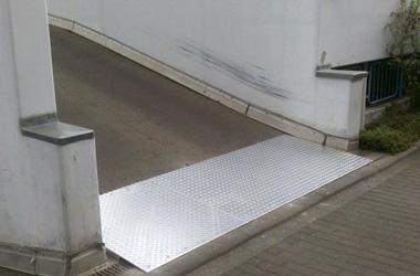 Auffahrt Parkdeck